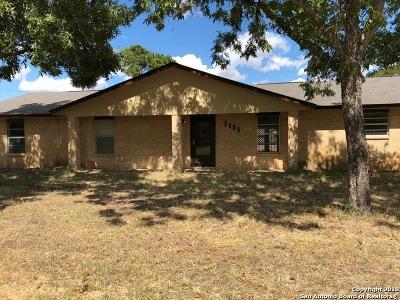 Atascosa County Single Family Home For Sale: 2101 Yosemite St