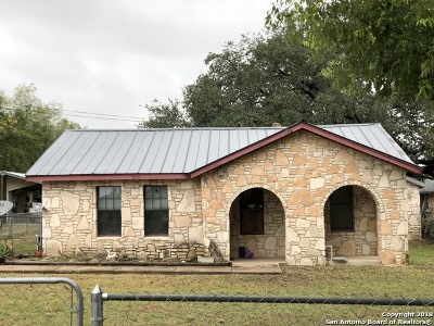 Atascosa County Single Family Home Active Option: 310 Bensdale Rd