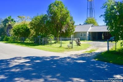 Atascosa County Single Family Home New: 15254 Oak St