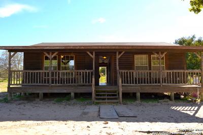 Atascosa County Single Family Home New: 465 Patton Rd