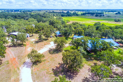 Stockdale TX Farm & Ranch For Sale: $799,001