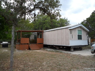 Comal County Manufactured Home For Sale: 499 Gate Post