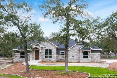 La Vernia Single Family Home Active Option: 185 Champions Blvd