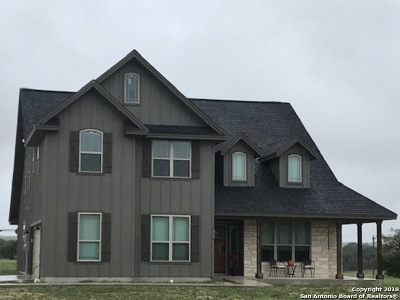 Bandera County Single Family Home For Sale: 464 Glenvalley Circle