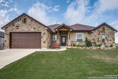 Poth TX Single Family Home For Sale: $271,000