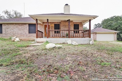 Adkins Single Family Home For Sale: 727 Falling Leaves Dr