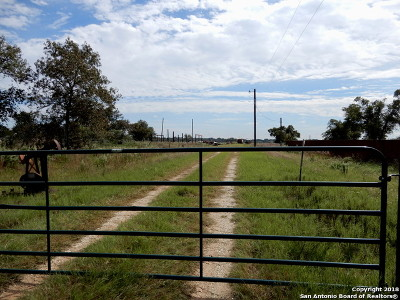 Floresville Residential Lots & Land For Sale: 124 Carrizo Ridge