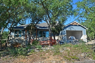 Canyon Lake Single Family Home For Sale: 1400 Scenic View Dr