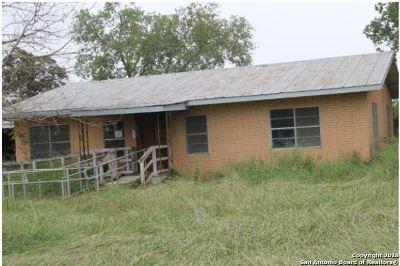 Jourdanton Single Family Home Price Change: 2902 Brown Ave