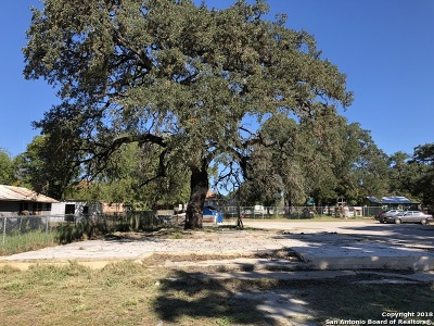 Atascosa County Residential Lots & Land For Sale: 715 San Antonio St