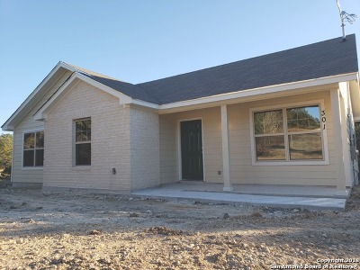 Spring Branch Single Family Home For Sale: 301 Cimarron