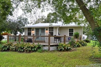 Seguin Single Family Home For Sale: 728 Lake Placid Dr
