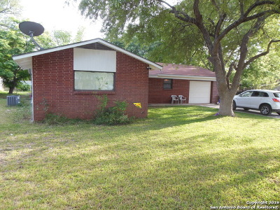 Frio County Single Family Home New: 354 William Drive