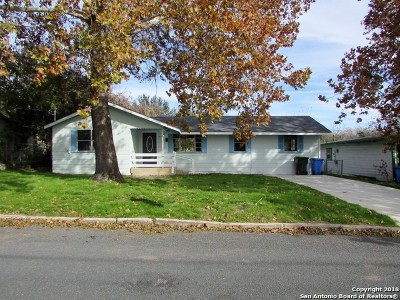 Seguin Single Family Home New: 705 Short Ave