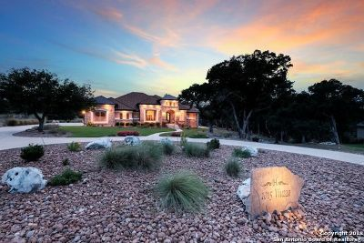 New Braunfels Single Family Home For Sale: 1015 Viuzza