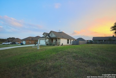 La Vernia, Marion, Adkins, Floresville, Stockdale Single Family Home New: 120 Ridgecrest