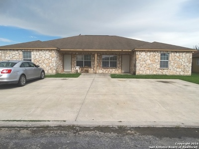 Bexar County Multi Family Home New: 7562 Oak Chase