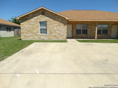 Bexar County Multi Family Home New: 7570 Oak Chase