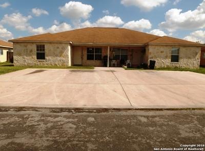 San Antonio Multi Family Home Active Option: 7604 Oak Chase