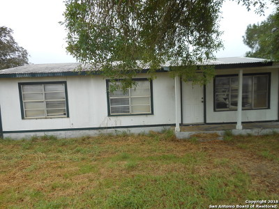 Atascosa County Single Family Home New: 1315 Howard Rd.