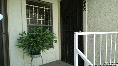 San Antonio Condo/Townhouse Active Option: 5322 Medical Dr #B206