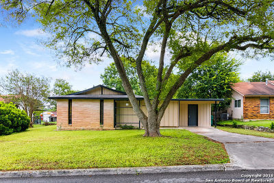 Live Oak Single Family Home For Sale: 110 Little Oaks St