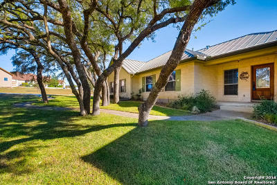 Boerne Single Family Home Active Option: 203 Scarlet Ridge Dr