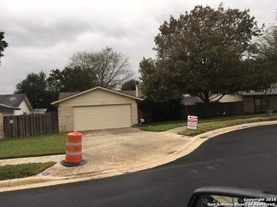 Universal City Single Family Home Back on Market: 120 Friendswood Path