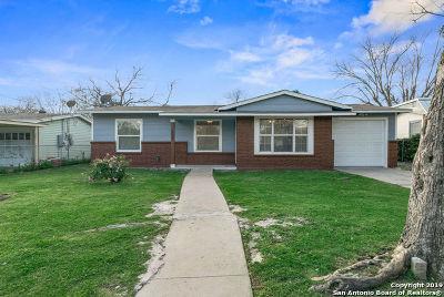 San Antonio Single Family Home New: 207 New Castle Dr