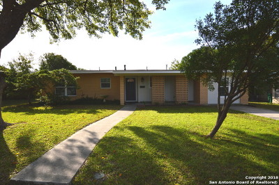 San Antonio Single Family Home New: 330 Sprucewood Ln