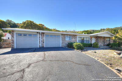 Kerrville Single Family Home For Sale: 115 Loma Vista Dr S
