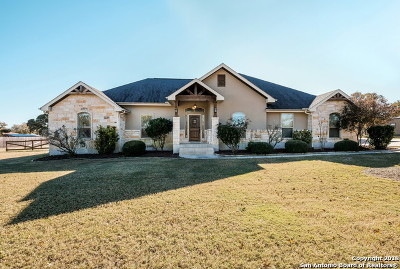 La Vernia Single Family Home Active Option: 124 Copper Ridge Dr