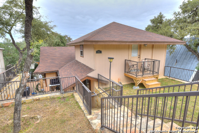 Bandera County Single Family Home For Sale: 445 Lookout Dr