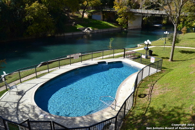 New Braunfels Condo/Townhouse For Sale: 401 W Lincoln St #A302