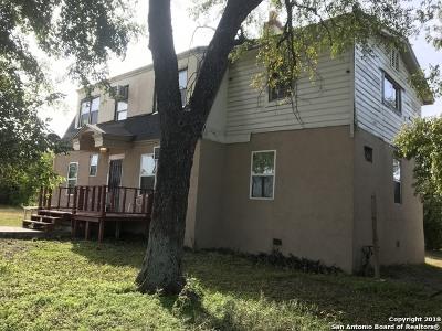 San Antonio Single Family Home For Sale: 111 Mel Waiters Way