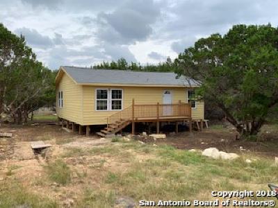 Canyon Lake Single Family Home For Sale: 1236 Blueridge Dr