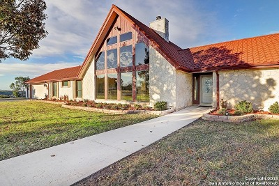 Castroville Single Family Home Active Option: 357 County Road 5720