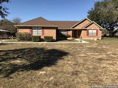 Floresville TX Single Family Home Price Change: $333,500