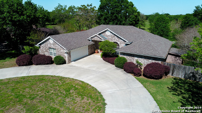 Seguin Single Family Home New: 1001 River Oak Dr