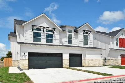 New Braunfels Condo/Townhouse For Sale: 211 Sapphire #901
