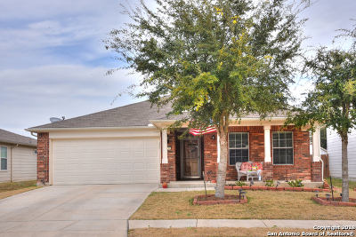Schertz Single Family Home For Sale: 1336 Red Barn Run