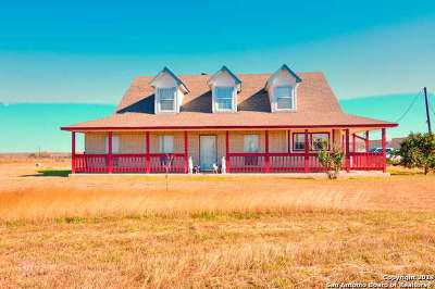 Wilson County Farm & Ranch Active Option: 8447 Us Highway 181 S