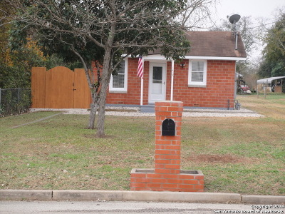 Floresville Single Family Home For Sale: 1415 2nd St