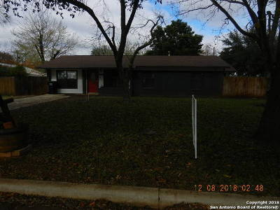 Frio County Single Family Home For Sale: 449 Margo Dr