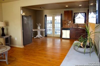 Castroville Single Family Home New: 1 Houston