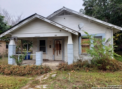 Guadalupe County Single Family Home New: 312 W Humphreys St