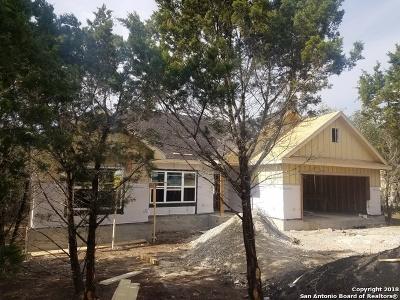 Canyon Lake Single Family Home For Sale: 691 Lazy Oaks