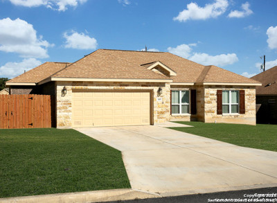 Floresville TX Single Family Home Active Option: $229,850