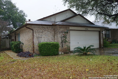 Bexar County Single Family Home For Sale: 5734 Spring Sunshine