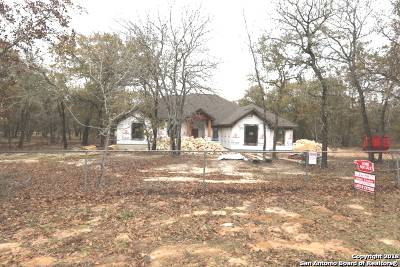 La Vernia Single Family Home New: 309 Hickory Trail (Tract 2)